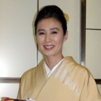 Tabloid tales: Hisako Manda, seen here at book launch in 2004, has become the focus of the weeklies since her long-time live-in partner, businessman Chikara Sasaki, died last month. Because he and Manda were not married, the actress can't expect to receive any inheritance. | KYODO PHOTO