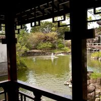 Sights serene: An open courtyard at Fukushu-en decorated with a groundwork of pebbles suggestive of water and movement.