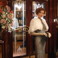 Annette Benning in 'Being Julia' | (c)2004 2024846 NTARIO INC.; BEING JULIA PRODUCTIONS LIMITED; ISL FILM KFT; ALL RIGHTS RESERVED.