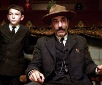 Daniel Day Lewis and Dillon Freasier  © 2007 PARAMOUNT VINTAGE, A DIVISION OF PARAMOUNT PICTURES AND MIRAMAX FILM CORP. ALL RIGHTS RESERVED
