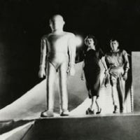 Don't forget the tinfoil: A scene from the 1951 version of 'The Day the Earth Stood Still'