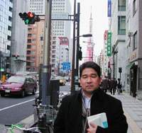 Blogger and journalist Tsuruaki Yukawa, who felt Internet users' burning wrath over one particular interview he published on his site. | TOMOKO OTAKE PHOTO