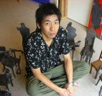 Sculptor Gakushi Yamamoto last year won top prize in an annual show of five art universities in Tokyo.