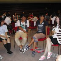 Japanese and American students exchange views during a session the next day at the U.S. Embassy. | MAMI MARUKO PHOTOS