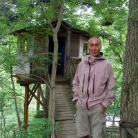 Woodsman: Takashi Kobayashi, Japan's pioneer tree-house maker, with one of his constructions at Mount Takao, Tokyo. | SATOKO KAWASAKI