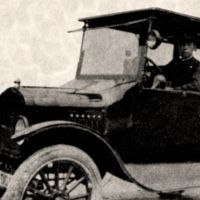 Black cab: One of the first taxis in Japan, a Model-T Ford in Tokyo, circa 1912.   TOKYO TAXI ASSOCIATION (TTA)