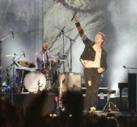 Coldplay onstage at Summer Sonic | © SUMMER SONIC 08 ALL COPYRIGHTS RESERVED