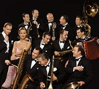 Max Raabe (far left) and Palast Orchester
