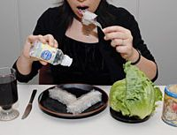 Red wine, nigari (bittern), agar, lettuce and cocoa -- shown here -- are among the foodstuffs whose popularity skyrocketed after being featured in ubiquitous 'health information' programs on TV. | YOSHIAKI MIURA PHOTO