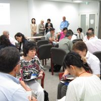 The questions that matter: Coach Michie Fukuda (second left) takes part in a role-playing exercise at an International Coach Federation conference held in Aoyama, Tokyo, on Sept. 1. | MELINDA JOE