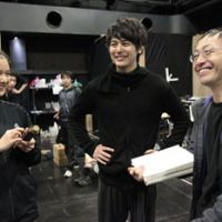 Work in progress: Actors Yu Aoi (left) and Satoshi Tsumabuki (center) talk to director Hideki Noda during a rehearsal for 'To the South.' | © KISHIN SHINOYAMA