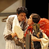 Onstage politics: Takiji Kobayashi (Yoshio Inoue) talks to his sister and supporter Chima (Atsuko Takahata)  about his notion of an ideal society in 'Kumikyoku Gyakusatsu' ('Suite Slaughter'). | © TAKAHIRO WATANABE