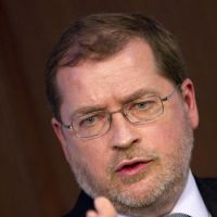 No lip-reading: Grover Norquist, founder of Americans for Tax Reform, participates in a debate at the American Enterprise Institute in Washington on Nov. 29, 2011. | AFP-JIJI