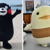 Running neck and neck: Bear mascot Kuma-mon from Kumamoto Prefecture and Bari-san, a character representing Ehime Prefecture, are the front-runners in an online popularity contest of community mascots. | KYODO
