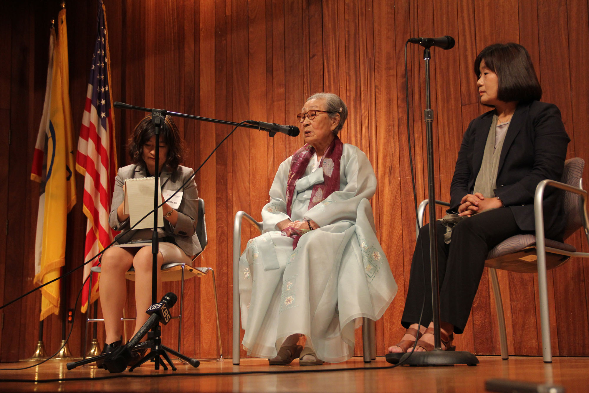 Still awaiting liberation: Kim Bok Dong, 86, who was forced to work as a sex slave for the Imperial Japanese Army at age 14, addresses an event Monday in Glendale, California. | KYODO