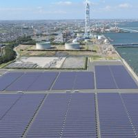 Solar system: Chubu Electric Power Co. operates the Mega Solar Taketoyo facility in Aichi Prefecture. | CHUNICHI SHIMBUN