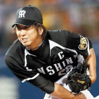 Old reliable: Tigers closer Kyuji Fujikawa is one of only five players to record more than 200 saves in Japan. | KYODO
