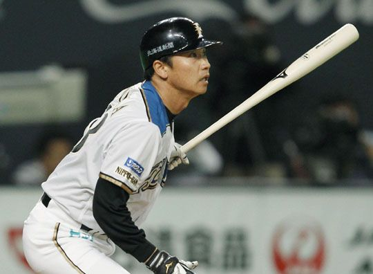 Fighters grind out win in Pacific League opener