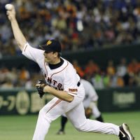 A part of history: Giants reliever Scott Mathieson should see some time on the mound in the Japan Series. Fighters pitcher Dustin Molleken became the first Canadian to appear in a Japan Series game on Saturday. | KYODO