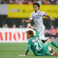 Finishing touch: Hisato Sato has scored 17 goals for Sanfrecce Hiroshima this season, six more than his nearest challenger in the J. League scoring charts. | KYODO