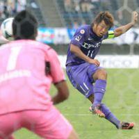 On the spot: Sanfrecce Hiroshima striker Hisato Sato is looking to make the most of a rare callup to the national team in friendlies against France and Brazil. | KYODO