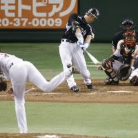 The long goodbye: Tigers great Tomoaki Kanemoto homered in what was likely his last career game at Tokyo Dome on Sunday.   KYODO