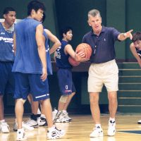 Influential figure: Former Panasonic coach Paul Westhead, who led the Los Angeles Lakers to an NBA title in Magic Johnson's rookie season in 1979-80, is seen running a team practice in August 2001. | KYODO