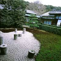 The eastern garden with its moss, gravel and seven granite pillars