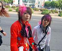 Fans outside FanimeCon 2006, which took place in San Jose in May. | PHOTO COURTESY OF DAVID CIRONE, JAPANFILES.COM