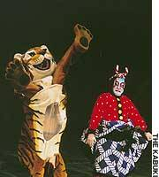 Watonai fights a tiger.