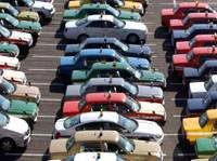 Taxis wait for customers outside Haneda airport in Tokyo in this December 2004 photo. | JAPAN TIMES FILE PHOTO