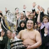 Never crossed my mind: Harumafuji says he was never worried about the prospect of being forced into retirement. | KYODO