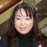 Mizuho Koga, Receptionist, 50s, My daughter used to attend eikaiwa classes, but not anymore. If the lesson fees were cheaper, then I'd go, to improve my English, because that would help me in my job, and I'm sure that my daughter would go again as well.