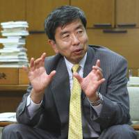 Top finance official eyed for ADB slot