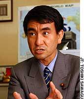 Lawmaker Taro Kono speaks in his Diet office about his recent experience in donating part of his liver to his father, former Foreign Minister Yohei Kono.