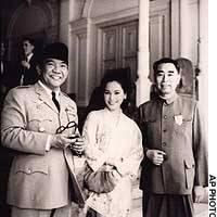 Ratna Sari Dewi Sukarno, her late husband, Indonesian President Sukarno (left), and Chinese Premier Zhou Enlai pose at Merdeka Palace in Jakarta in 1964.