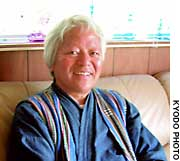 Bunyo Ishikawa plans a four-month trek this summer from Cape Soya, on the northern tip of Hokkaido, to Naha, Okinawa Prefecture.