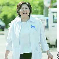 Repatriated abductee Hitomi Soga turns up for work at a branch office of the municipal government on Sado Island, Niigata Prefecture.