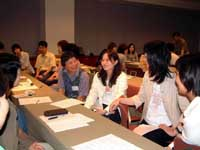 Japanese and South Korean teachers of English discuss the differences and similarities of their countries at a workshop in Seoul last August.   PHOTO COURTESY OF E-DREAM-S