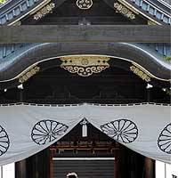 Visitors pay homage at Yasukuni Shrine in Tokyo. Efforts to build an alternative national cemetery to the Shinto shrine are going nowhere.