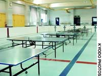 A swimming pool has been turned into a pingpong play room at Udadu Junior High School in Kagawa Prefecture due to the water shortage.