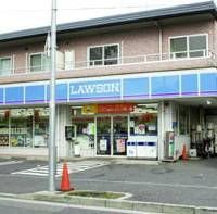 A car with two sleeping children in the back was stolen early Sunday at this Lawson convenience store in Yokohama. | KYODO PHOTO