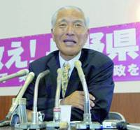 Jin Murai, who defeated Nagano Gov. Yasuo Tanaka in an election Sunday, holds a news conference Monday.   KYODO PHOTO