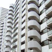 A 2-year-old boy apparently fell to his death by accident from this 14-story condominium high-rise in Hikarigaoka, Nerima Ward, Tokyo.   KYODO PHOTO