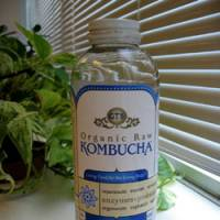 Kombucha tea drinks are becoming popular with health-conscious consumers in the U.S. | KYODO PHOTO