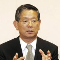 New Foreign Minister Nobutaka Machimura speaks about his views on various diplomatic issues during an interview Tuesday in Tokyo. | YOSHIAKI MIURA PHOTO