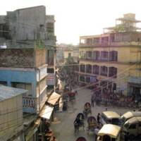 Rikshaws and pedestrians crowd the streets in the old quarter of Dhaka, the Bangladeshi capital. Leaders are trying to push through extensive reforms aimed at routing corruption and increasing growth. | ERIC PRIDEAUX PHOTOS