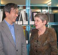 Common bonds: Former Japanese Ambassador to Romania Kanji Tsushima talks with Angela Hondru, head of the Japanese Studies Department at Hyperion University in Bucharest, during a recent event at the Japan Foundation in Shinjuku Ward, Tokyo. | KYODO PHOTO
