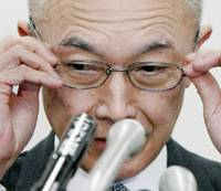 Reforms loom: National Personnel Authority President Masahito Tani faces reporters in Tokyo on Tuesday.   KYODO PHOTO
