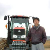 Well-grounded: Masachika Ogihara, who works the land in Nagano Prefecture, is starting up a magazine to spread the word about young farmers.   KYODO PHOTO